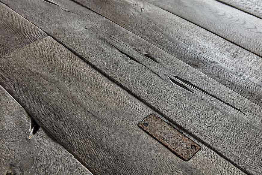 massive Retro Holzdielen