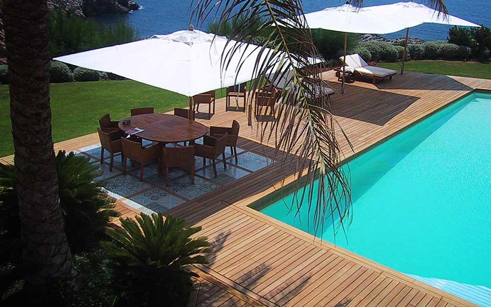 Teakholz Terrassen. Gartenparkett in Premium Qualität.